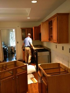 Kitchen counter top demo in towne lake